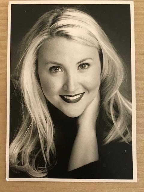Marisa Headshot
